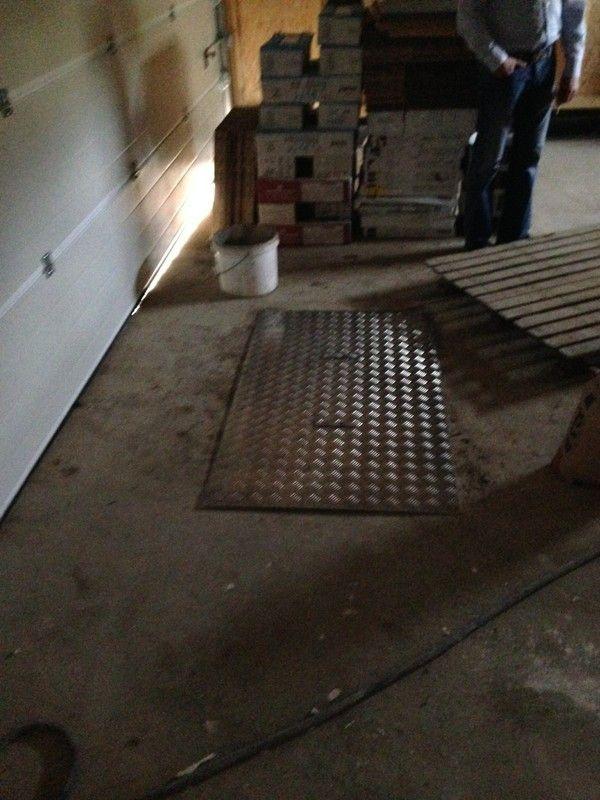 Trappe vide sanitaire garage